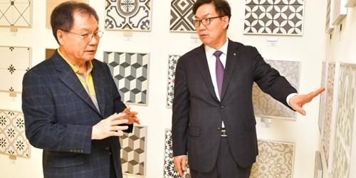"""이대훈, 중소기업 방문해 """"NH농협은행이 적극 지원하겠다"""""""