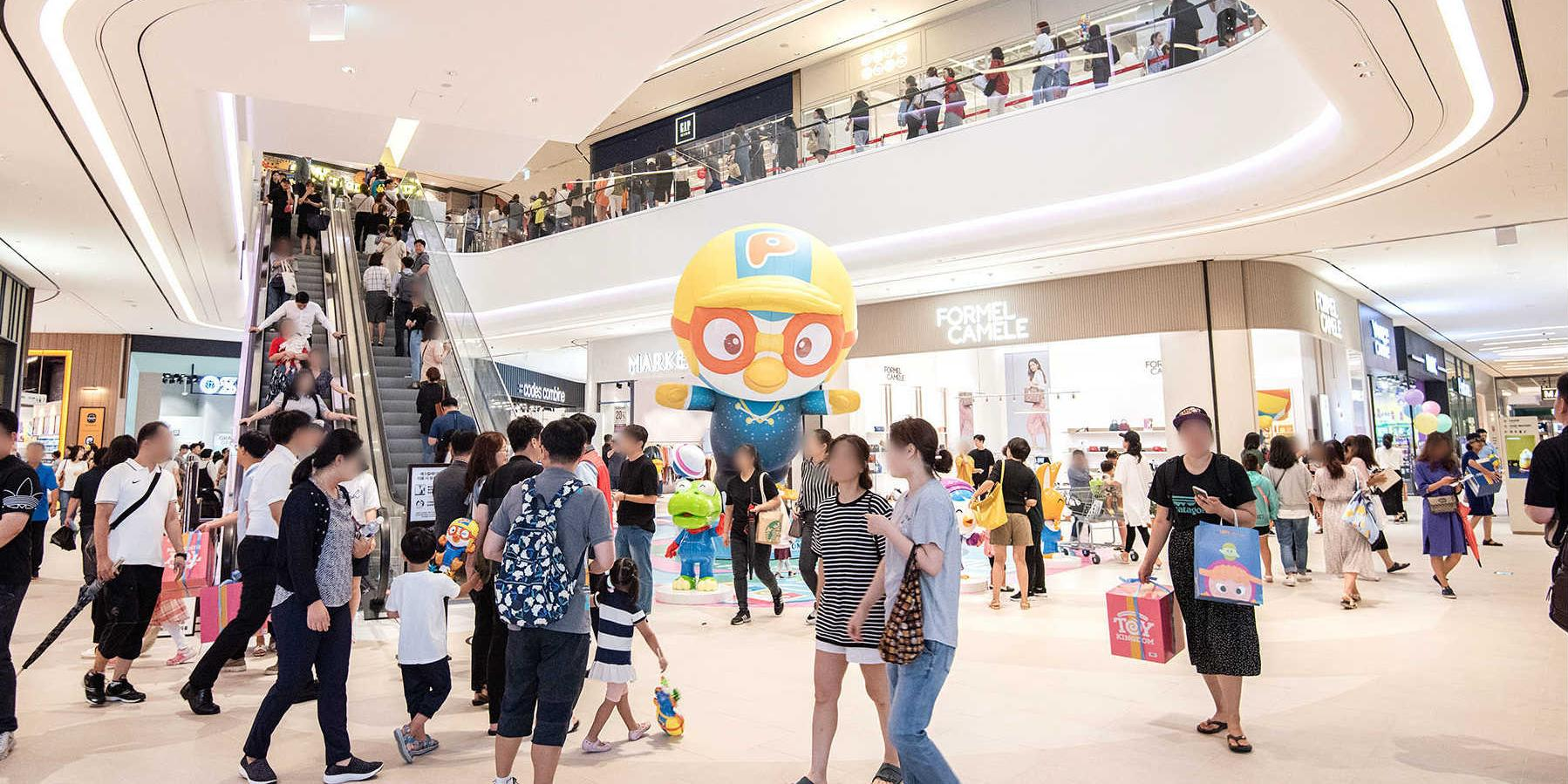 롯데 신세계, '몰링족' 잡기 위해 쇼핑몰의 문화와 놀이 콘텐츠 공들여