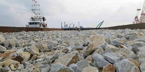 CJ대한통운, 방글라데시 항만건설용 돌 46만 톤 운송 올해 말 끝내