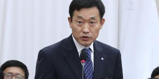 [현장] 손태승 대신 국감 나온 정채봉, 우리은행 파생결합펀드 사과만